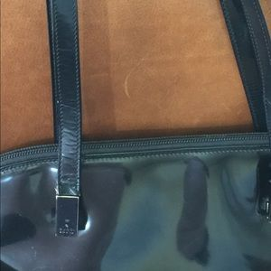 Gucci Bags - Gucci shiny leather bag with zipper